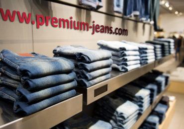 angenehme Präsentation von Jeans